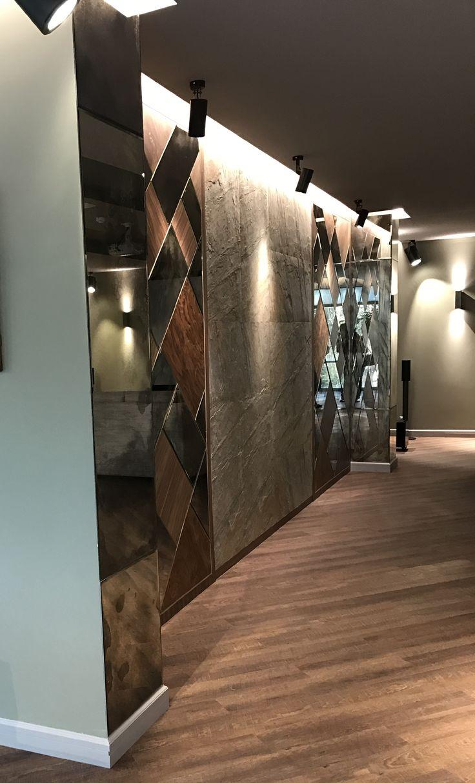 Panel made of stone veneer, American walnut veneer in combination with mirrors. Mirrors are aged manually. Панно из каменного шпона,шпона американского ореха в сочетании с зеркалами. Зеркала состаренные в ручную.