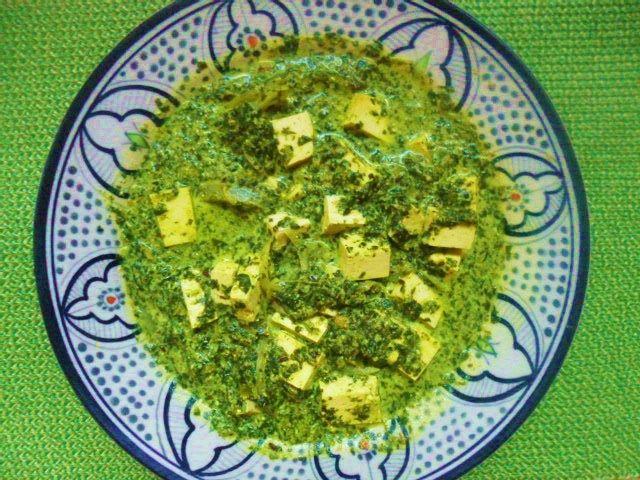 Palak paneer /panir /tofu - Indisk färskost i spenat