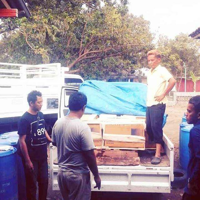 Divisi pengiriman surga pewangi laundry, pengiriman luar pulau, order pewangi, distribusi produk surga pewangi,  pengiriman keperluan chemical laundry ke seluruh indonesia