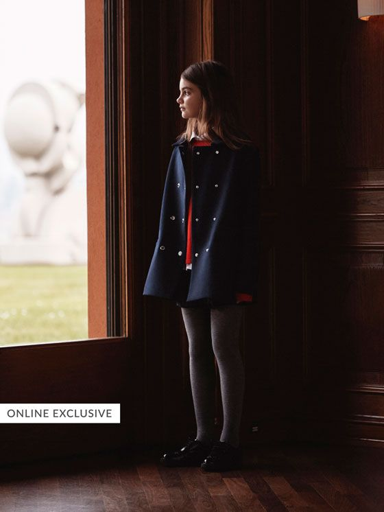 Massimo Dutti's Autumn/Winter 2017 coats and jackets for girls. Feel the quality and elegance in the new collection of parka coats & quilted or bomber jackets.