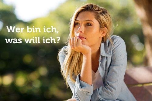 Kern der Selbstfindung sind zwei Fragen: Wer bin ich? Und was will ich? So finden Sie sich selbst und Ihre individuellen Antworten... http://karrierebibel.de/selbstfindung/