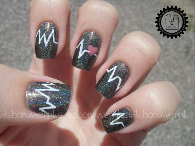 Nail Art - Heartbeat + TUTORIAL by DéboraWernke, via Flickr
