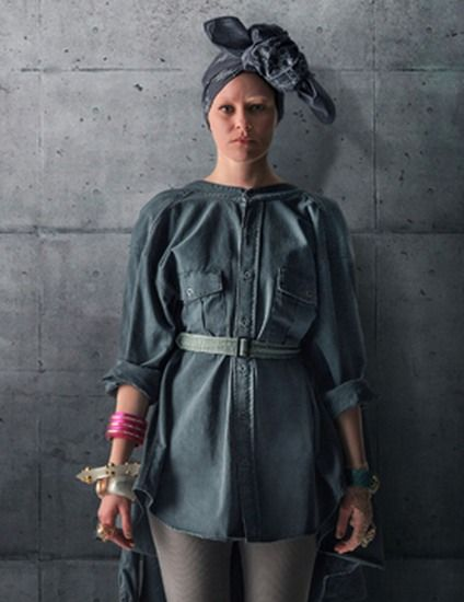 How to Dress as 'Mockingjay Part 1's Effie Trinket For Halloween With This District 13 Costume Guide — PHOTOS | Bustle