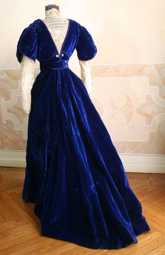 Dress, ca 1908, Abiti Antichi (back)