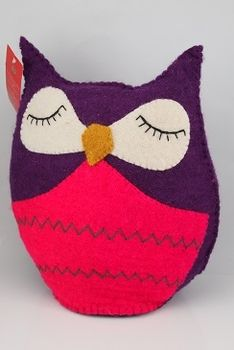 Purple Owl in Felt handcrafted in the Himalayas. Fair Trade labeled - Creating jobs for local Nepalese women. A unique piece for the Owl lover, whether child or adult. Ideal as a toy or a soft cushion.