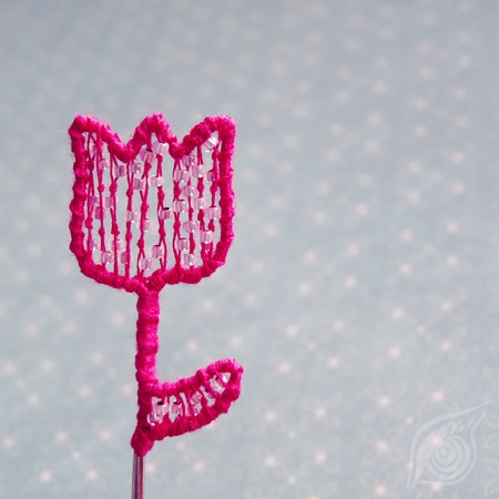 minibrooch Pink tulip; steel, cotton, rocail; nycrame; by Nady (http://www.nady.cz/broze/minibroz-ruzovy-tulipanek-146/)