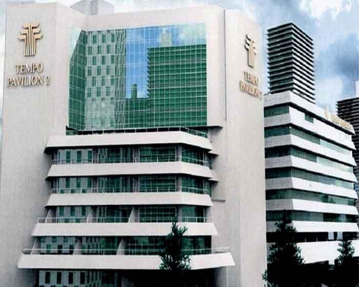 Project perawatan gedung Tempo Pavilion di Jakarta Selatan, Jakarta untuk pekerjaan kontruksi aluminum dan pemasangan kaca http://emj.co.id/