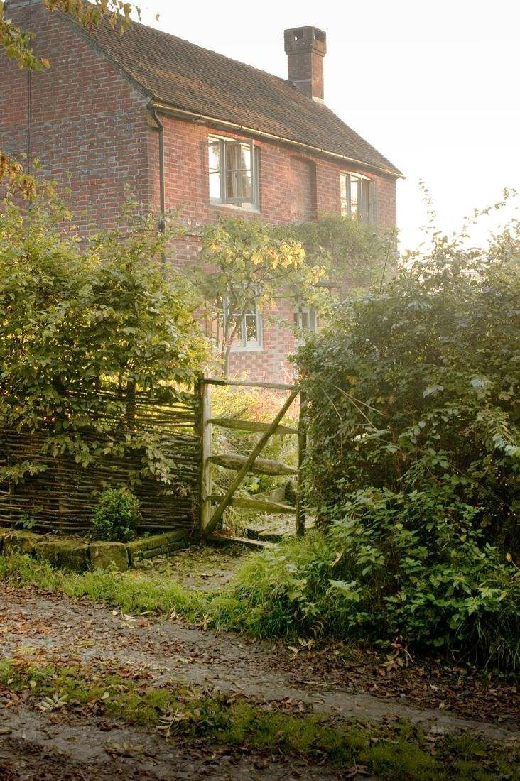 Film Location House-Large Farm House on 5 acres in E Sussex