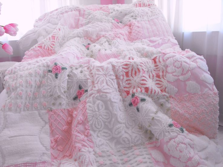 I really want one of these throws. Its absolutely drop dead gorgeous!!! Please, Santa...Easter Bunny...Tooth Fairy.....
