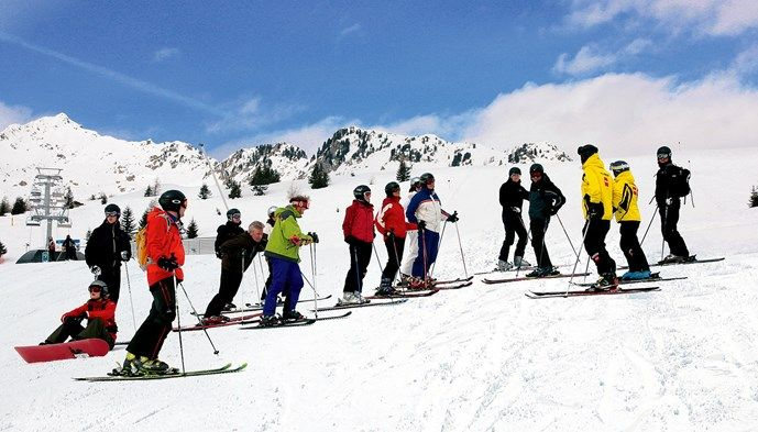 Pistvisning i Madonna di Campiglio. Skiing Snow winter STS Alpresor puder skidresa Alperna