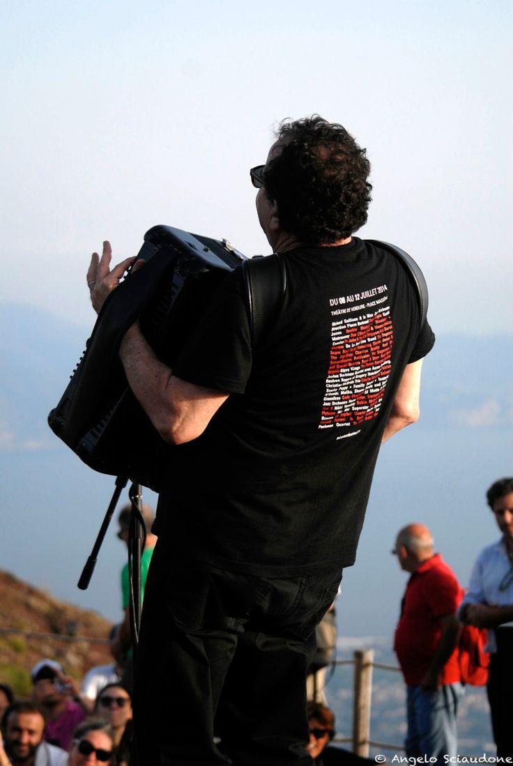 Richard Galliano: concerto sul cratere del Vesuvio