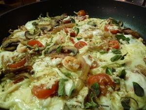 Lettupizza paistinpannulta Kotikokki.netin nimimerkki Zoran reseptillä
