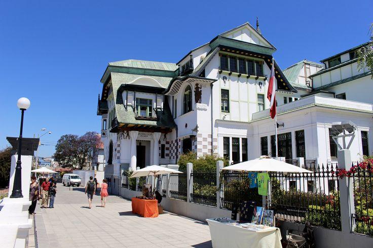 https://flic.kr/p/C7JwHE | Paseo Yugoslavo y Palacio Baburizza | Cerro Alegre, Valparaíso, Chile