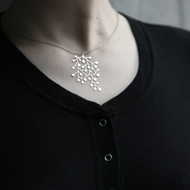 Gorgeous pendant :}Interior Design, Style, Pendants Necklaces, Gorgeous Pendants, Interiors Design, Moorigin Jewelry, Moorigin雪花項鍊 Snow, Snowday Pendants, Moorigin Snowday