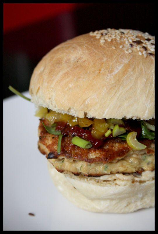 Encore! Hamburger au saumon, pointe d'exotisme