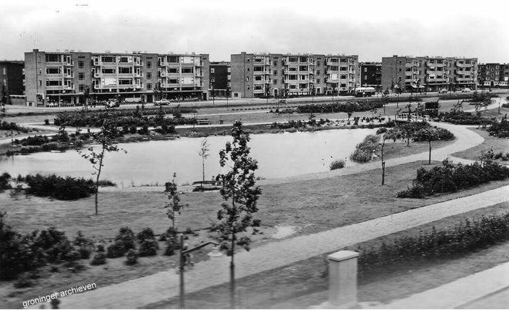 Oosterhamriklaan met vijver,  ca. 1956