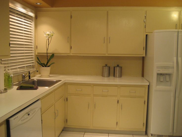 Best How To Repaint Kitchen Cabinets White With Images 640 x 480