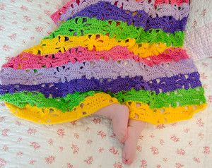 Baby Bloomer Crochet Baby Blanket | AllFreeCrochetAfghanPatterns.com