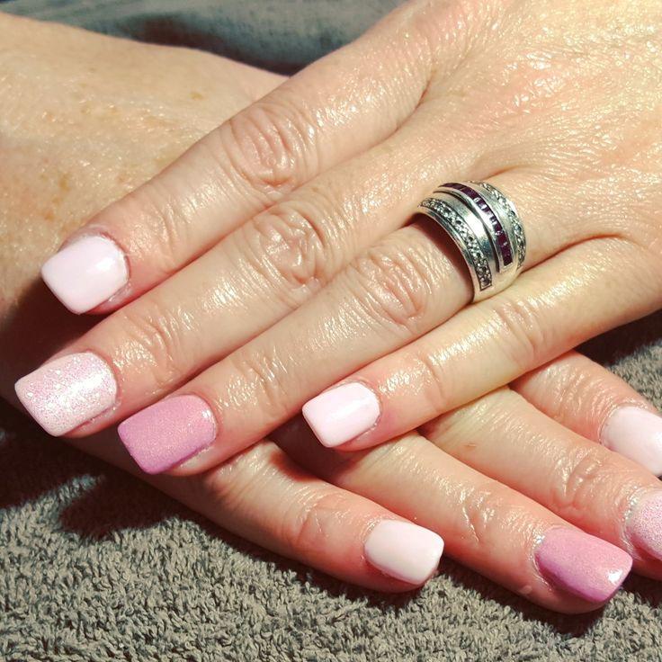 nails, accent nail, gelish, shellac, gellac, nail art, pastel, pink, ombre, glitter