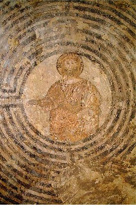 Cristo nel labirinto | Christ in the center of the labyrinth