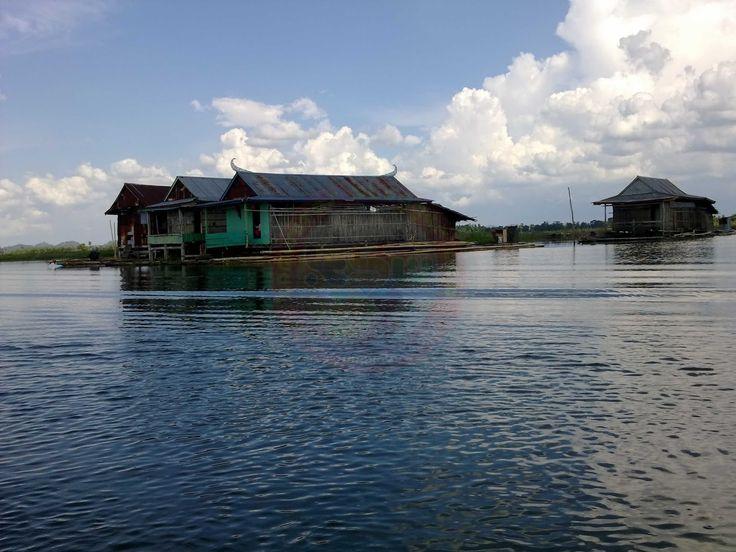 Danau Tempe Pesona Rumah Terapung di Sulawesi Selatan - Sulawesi Selatan