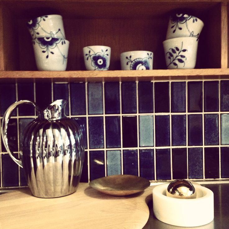 Kitchen: tiles from the 50ies and accessories from Tom Dixon and Royal Copenhagen