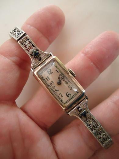 Antique 1920s 14k Gold Art Deco Ladies Wrist Watch 16