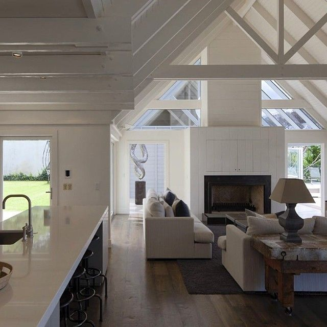 Feeling inspired again after looking at this stunning holiday home in Omaru Bay NZ, by #sumichchaplin #architects Reminds me I need to take a holiday too! #newzealand