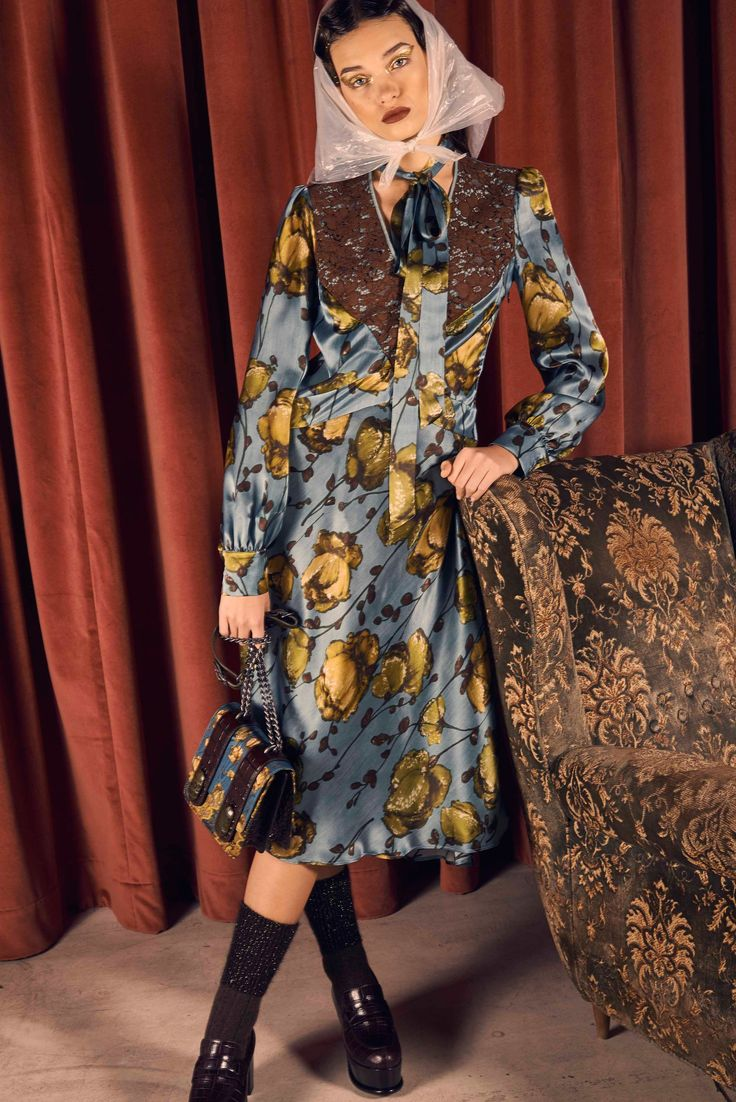 See the complete Antonio Marras Pre-Fall 2017 collection.