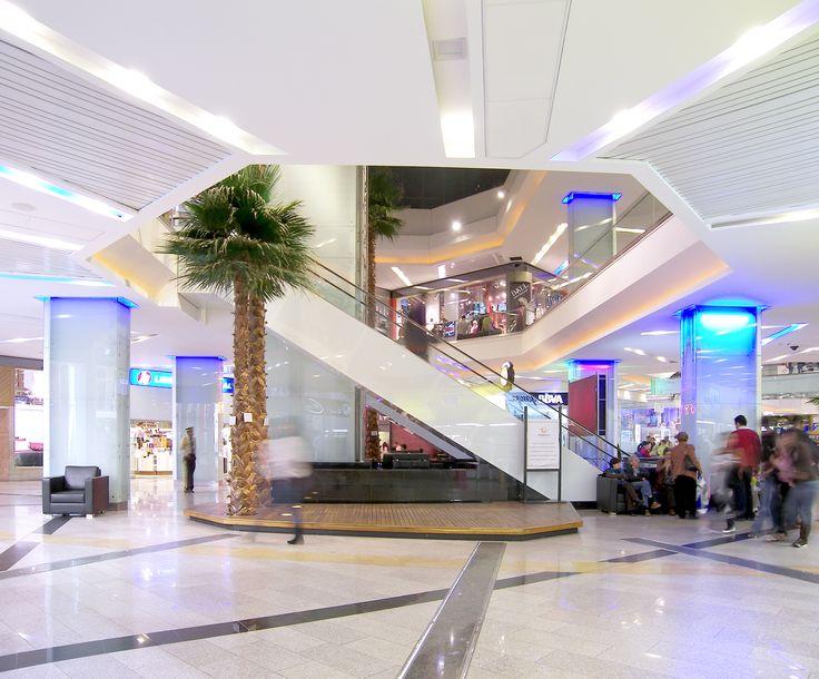 Centro Comercial Unicentro  Año de diseño: 2005 Ciudad: Bogotá, Cundinamarca, Colombia. Cliente: Unicentro