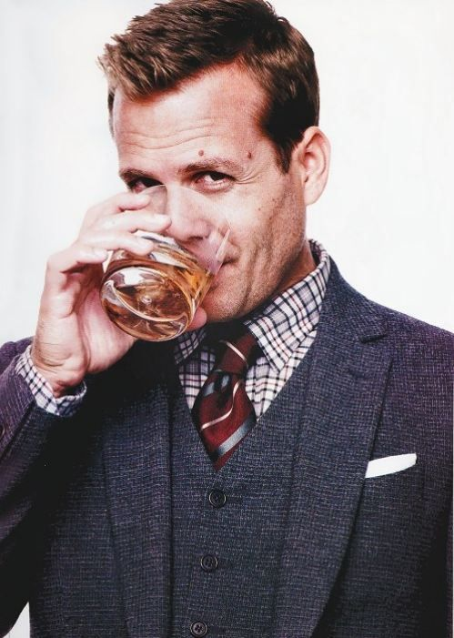 Gabriel Macht aka Harvey Specter.....dayum!