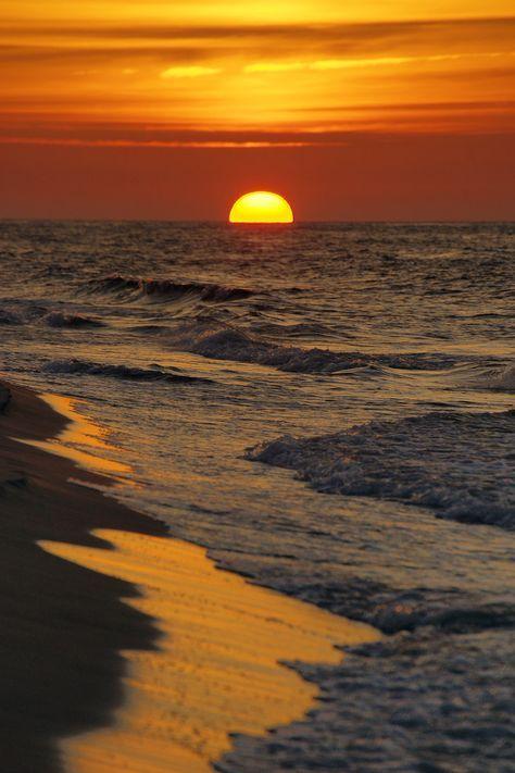 Pôr do Sol sobre o Mar Báltico.