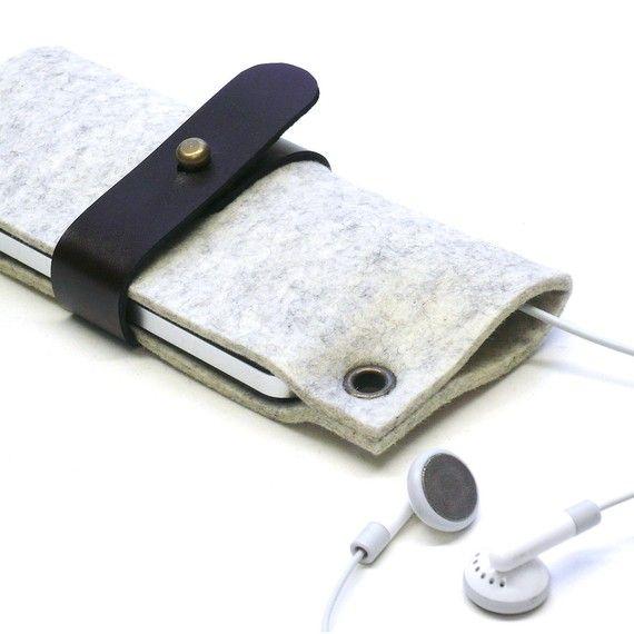 iPhone or iPod CLASSIC felt sleeve