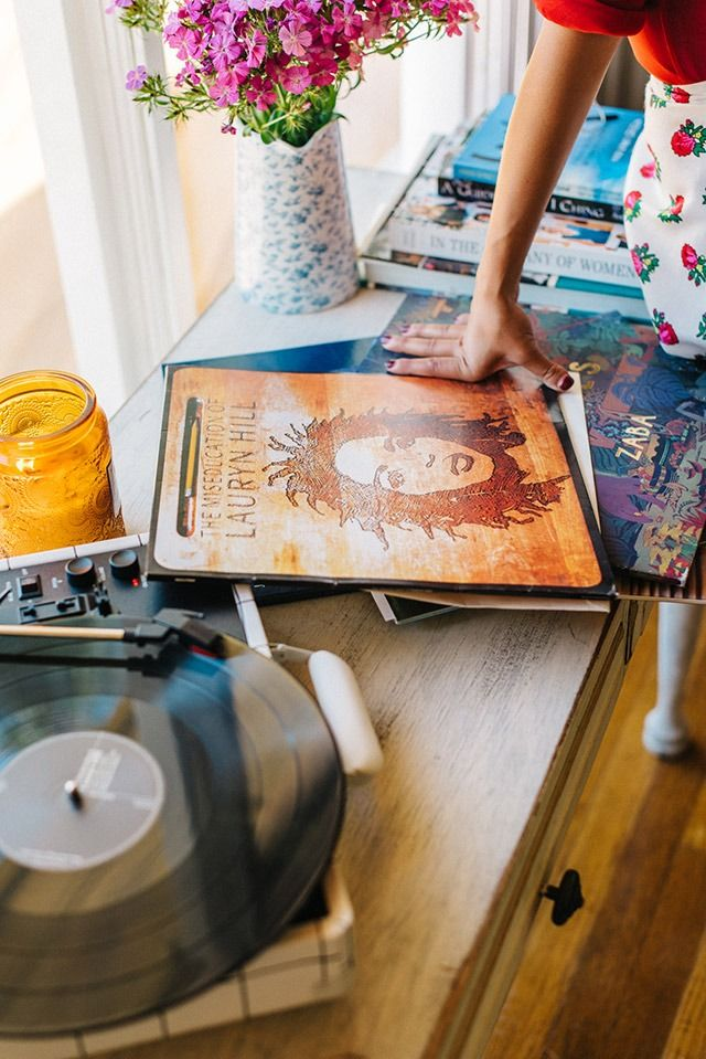 Record Collector: Rotana - Urban Outfitters - Blog