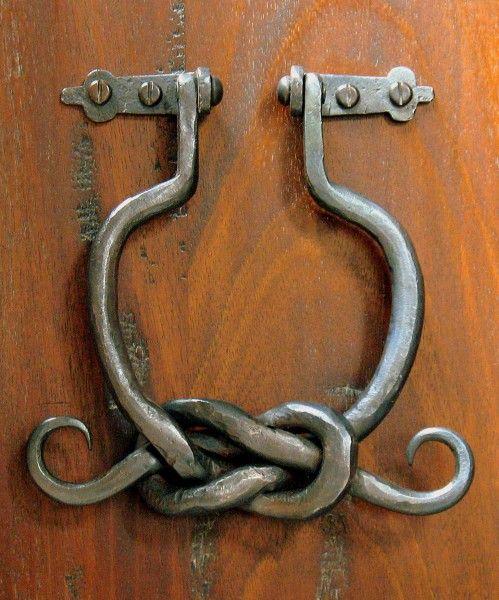 Renaissance Knot Door Knocker forjado en caliente del hierro