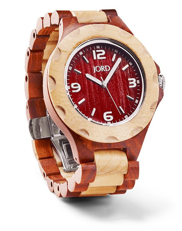 Considered playful and approachable, our Sully Red Sandalwood & Maple looks right at home on your wrist. The bubbled bezel, exaggerated numbers, and wide band showcase the effortlessly casual cool style you've perfected. No need to show off but you're always happy to share. The time, the moment, you're right where you need to be.