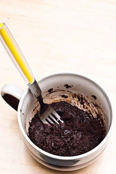 Brownie in a mug- 4 tbl flour, 4 tbl sugar, 2 tbl cocoa powder, dash salt, 2 tbl veg oil, 2 tbl water and 1 min in microwave!