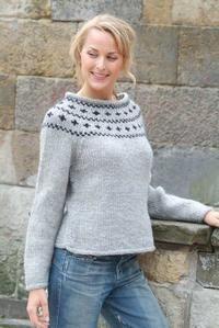 Lækker sweater strikket i Naturuld fra Hjertegarn
