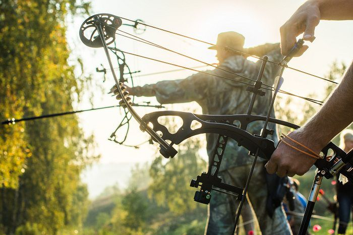 Selecting A Compound Bow in 2017 w/ 4 Recommendations  Read here:https://outdoorempire.com/selecting-compound-bow-reviews/  When it comes to these top of the line manufacturers its like you are arguing over Chevy Ford or Dodge. Each one of those truck man