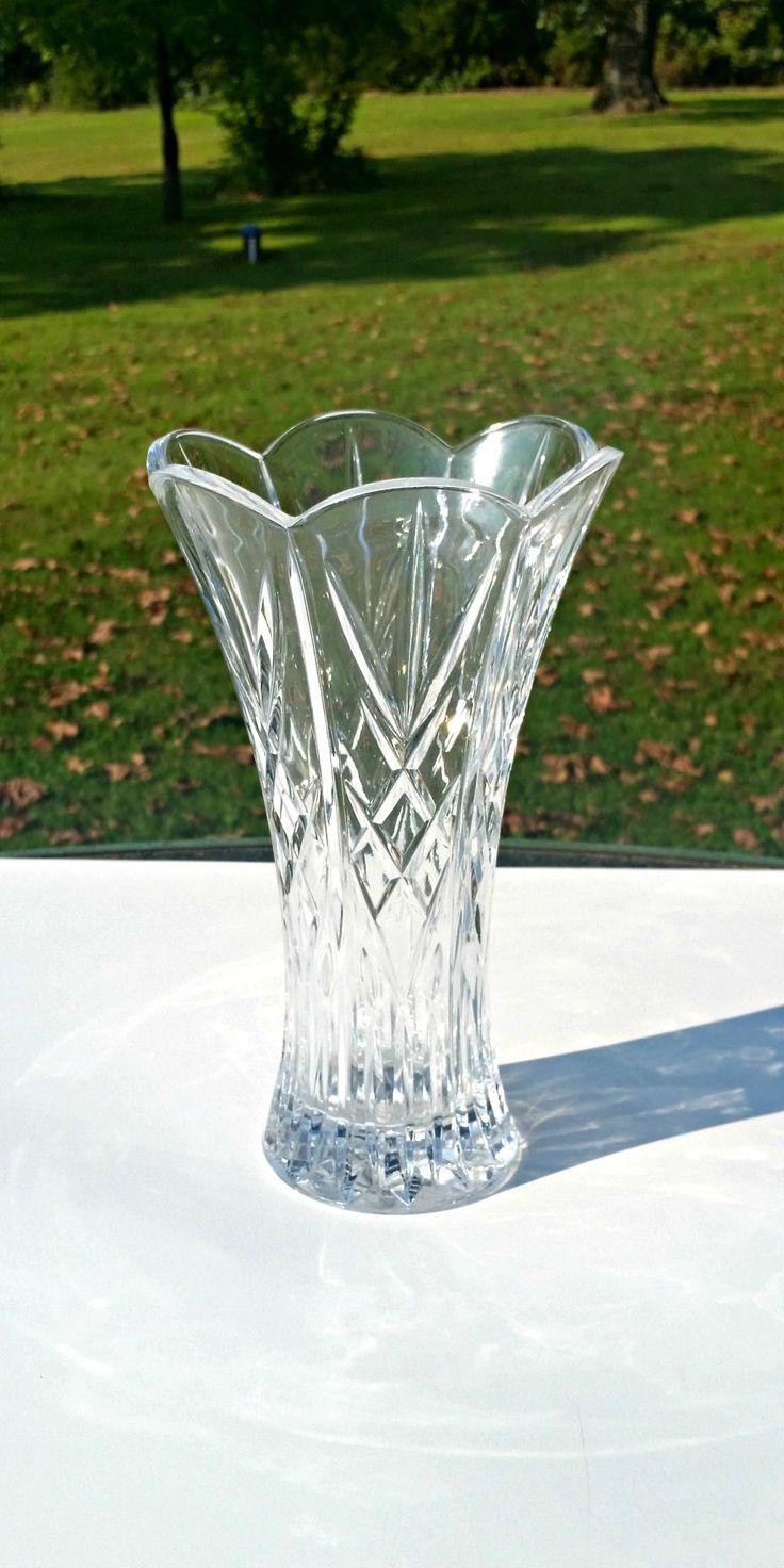 Lg Crystal Vase,Crystal Diamond Design Vase,Scallop Crystal Vase,Criss Cross Crystal Vase,Tall Crystal Vase,Tall Clear Crystal Vase,Crystal