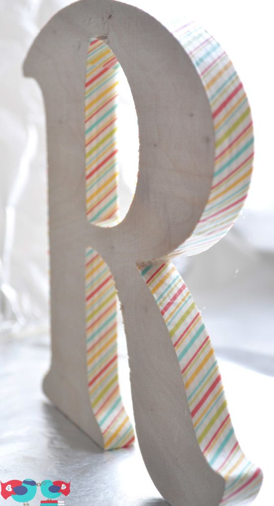 Washi Tape Kids room / cuarto de niños Use washi tape to decorate a plain wood letter