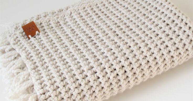 Ik heb een nieuwe favoriete haaksteek gevonden: vasten paarsgewijs!Het is een simpele steek maar zorgt voor een super mooie en stoere stru...
