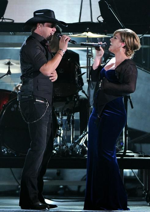 Country Music Stars Jason Aldean and Kelly Clarkson