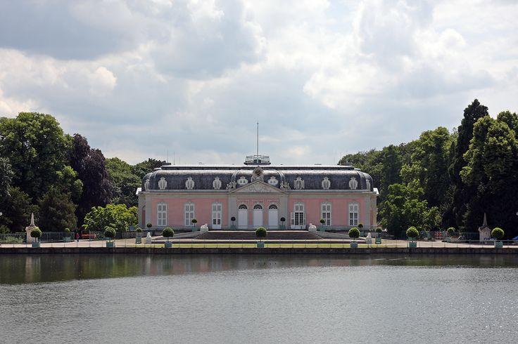 Schloss Benrath Erledigt :)