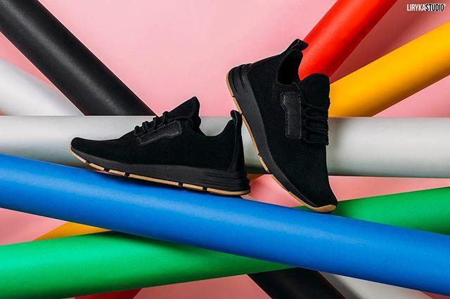 Fotografia produktowa #buty #shoes #fotografiaproduktowa #zdjęcia #kolor #productphotography #poznan #moda #fashion #photostyling #stylizacja #fotografiareklamowa #productshoot #boots #photostyling #styledphotoshoot #lirykastudio