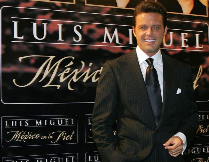 Luis Miguel. - El famoso cantante ya ha recibido gran cantidad de demandas, la más reciente es de un empleado que lo demandó por despido justificado y ahora exige 30 millones de dólares como indemnización.