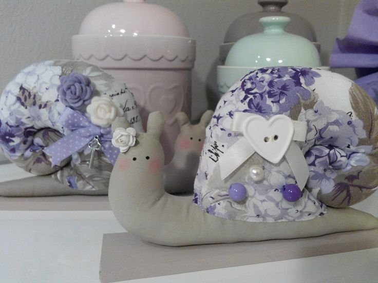 Chiocciola in stile Tilda, con ortensie viola/ lilla