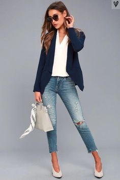 Jeans Outfit For Work, Blazer Outfits For Women, Casual Office Outfits Women, Women Casual Outfits, Casual Friday Work Outfits, Classic Outfits For Women, Summer Business Casual Outfits, Blazer Outfits Casual, Casual Blazer Women