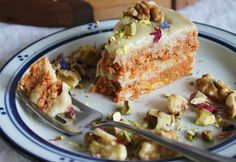 10 No-Bake Raw Vegan Cakes That Are Perfect for Summer - Raw Carrot Cake with Cashew Cream Frosting.