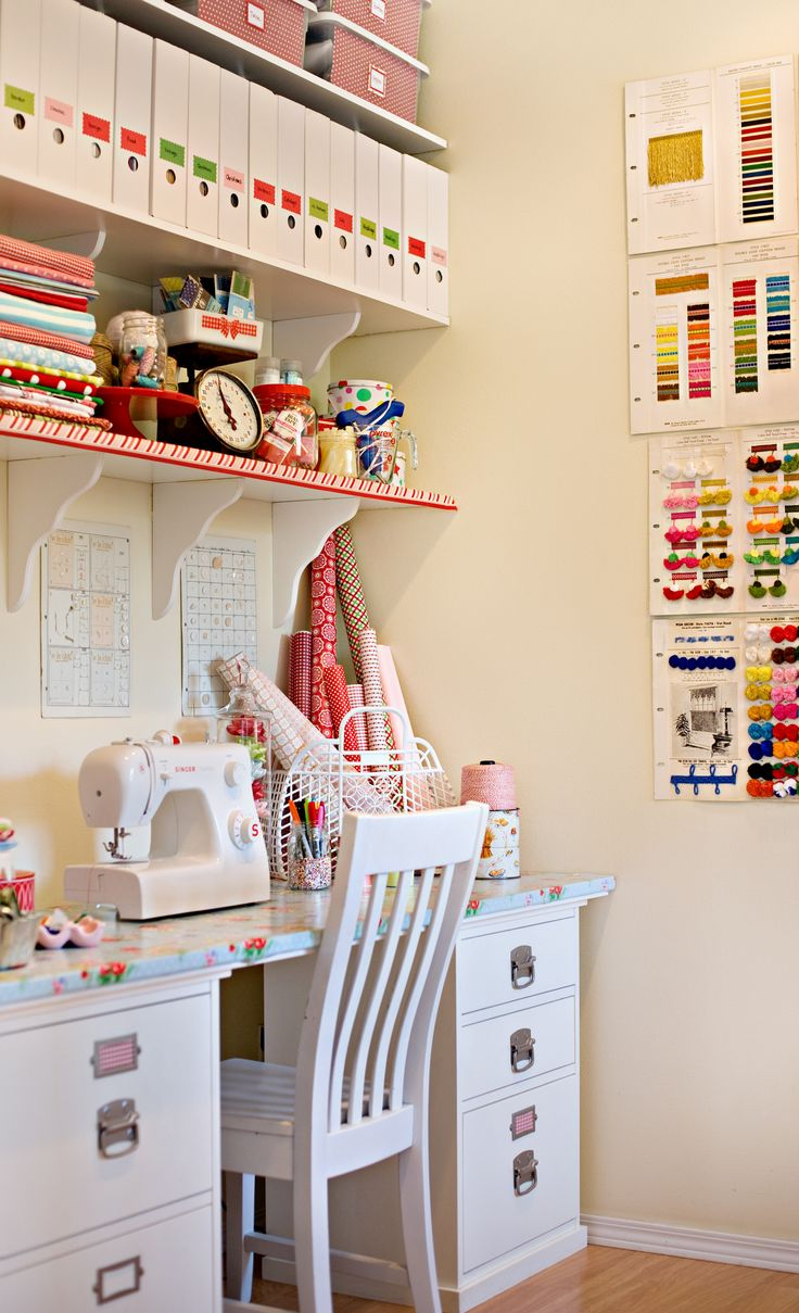Love this sewing room!!